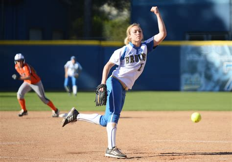 Softball struggles to find rhythm in upset loss to Cal
